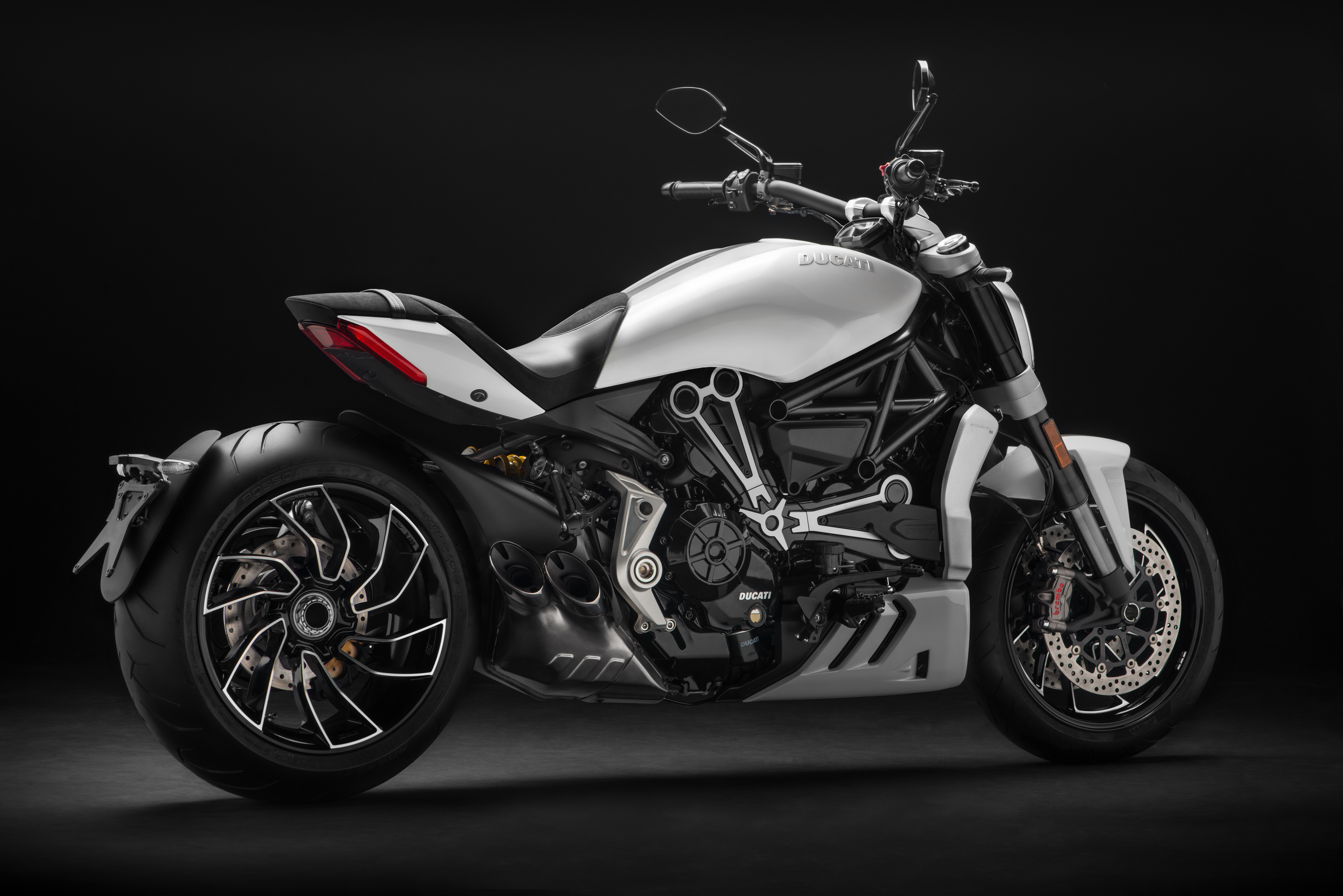 ducati to debut six new 2018 motorcycles at long beach show. Black Bedroom Furniture Sets. Home Design Ideas