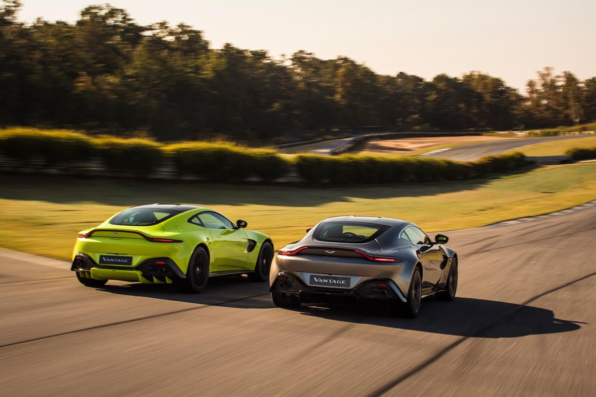 Aston Martin Vantage Tungsten Silver Lime Essence