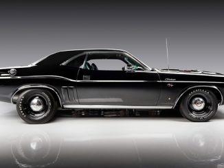 Barrett-Jackson - Scottsdale Auction - 1971 HEMI Challenger (Lot #1421)