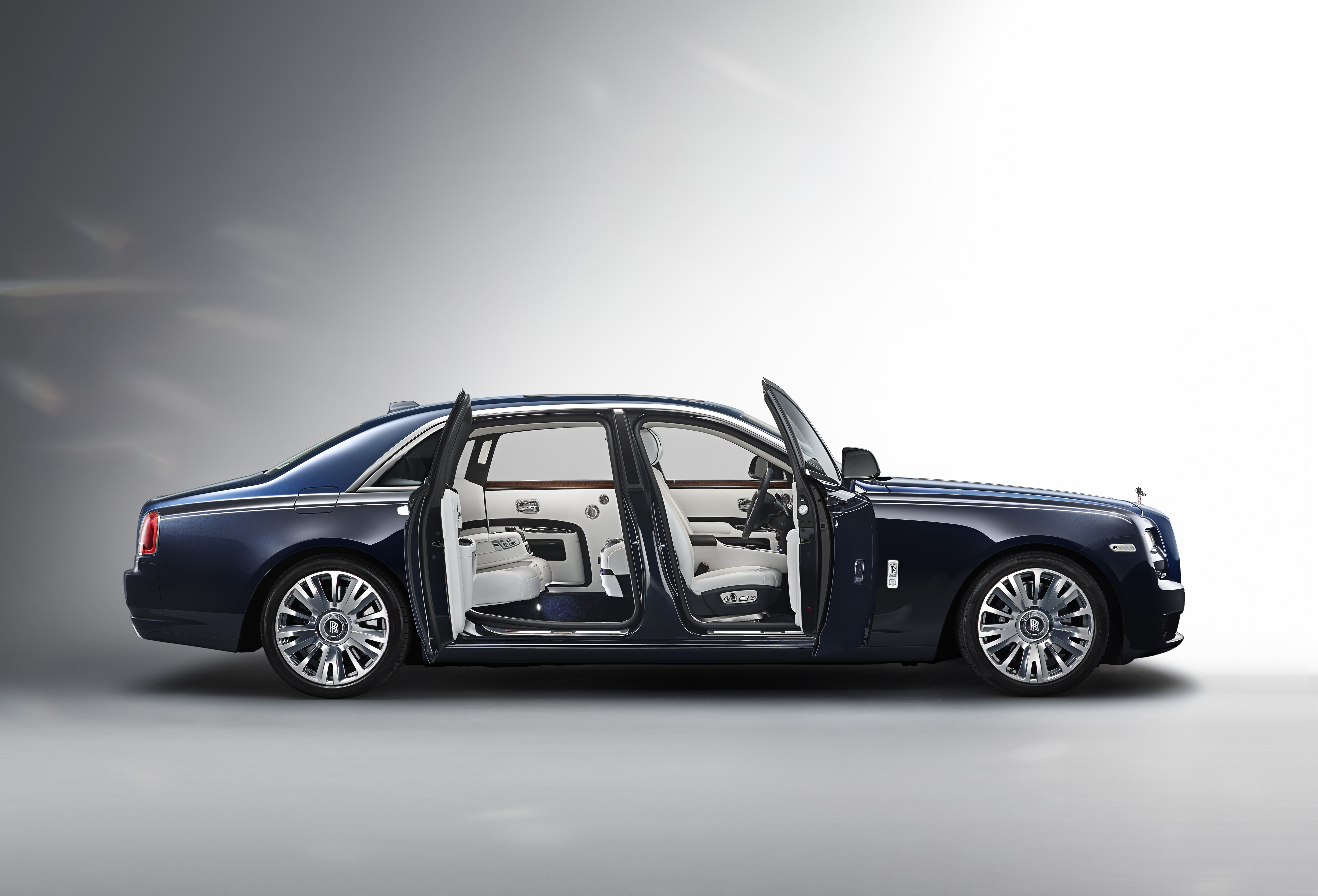 Rolls Royce Ghost Extended Wheelbase Best Super Luxury Car