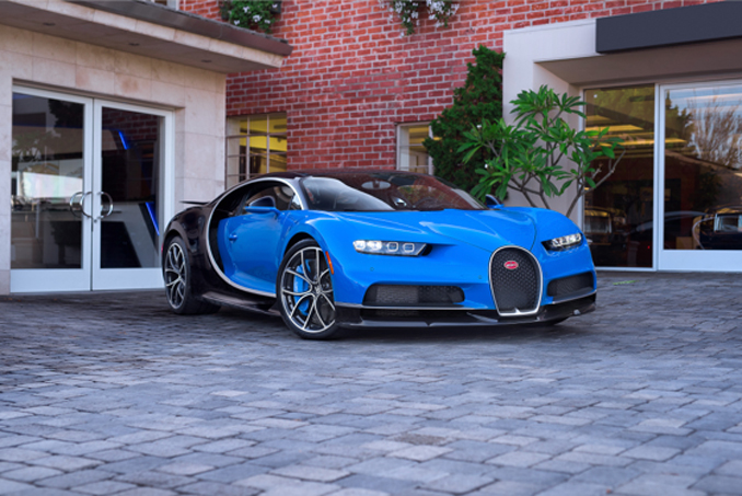 Mecum Los Angeles - 2018 Bugatti Chiron Quad-Turbo 8.0/1, 479 HP, 1 of 500 Produced (Lot S98)