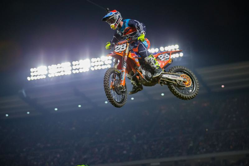 Monster Energy Supercross: Shane McElrath captured his second consecutive Anaheim Opener 250SX win. Photo credit: Feld Entertainment, Inc.