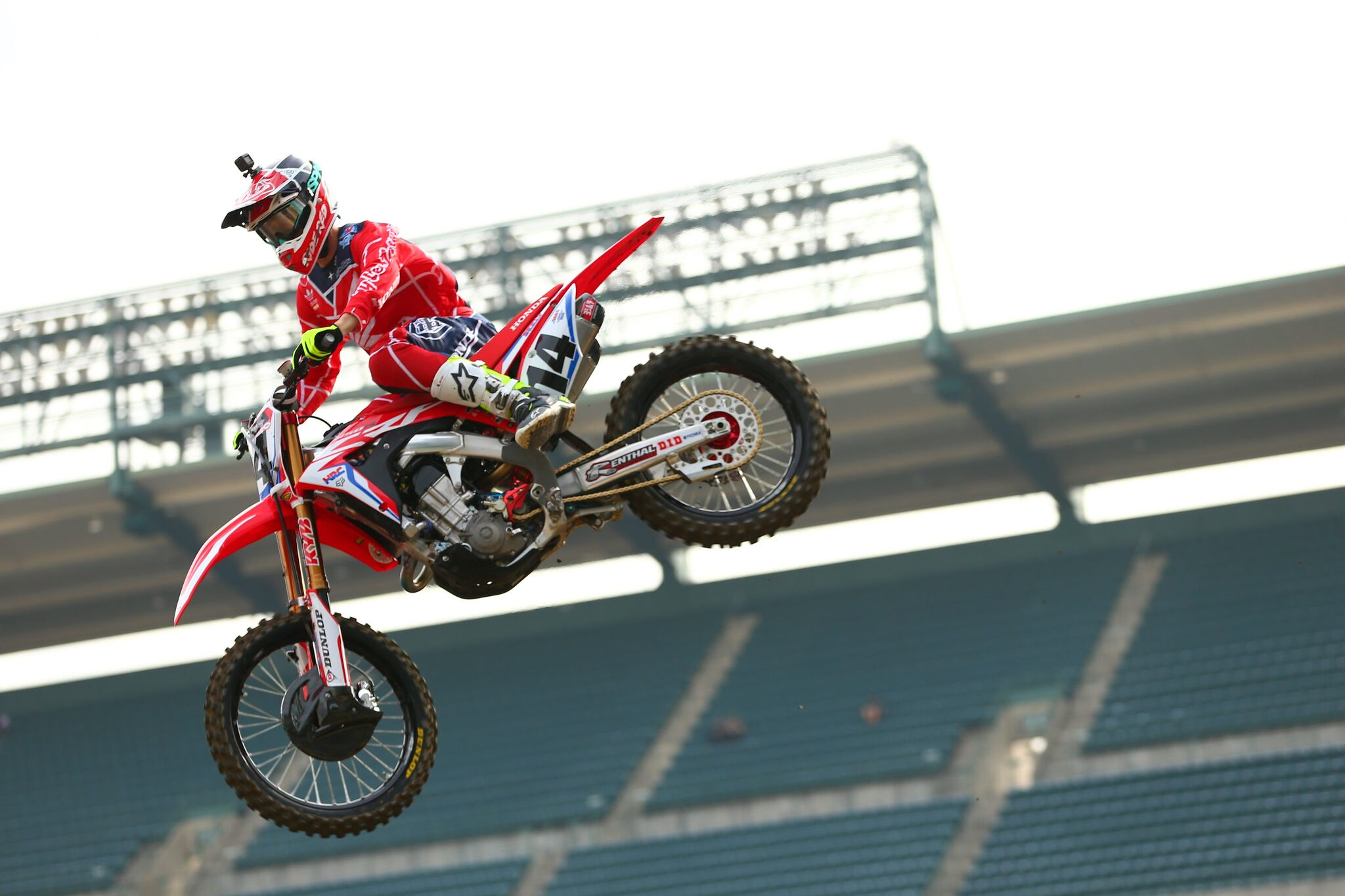 TLD's Seely Starts 2018 Supercross Campaign With Sixth at Anaheim