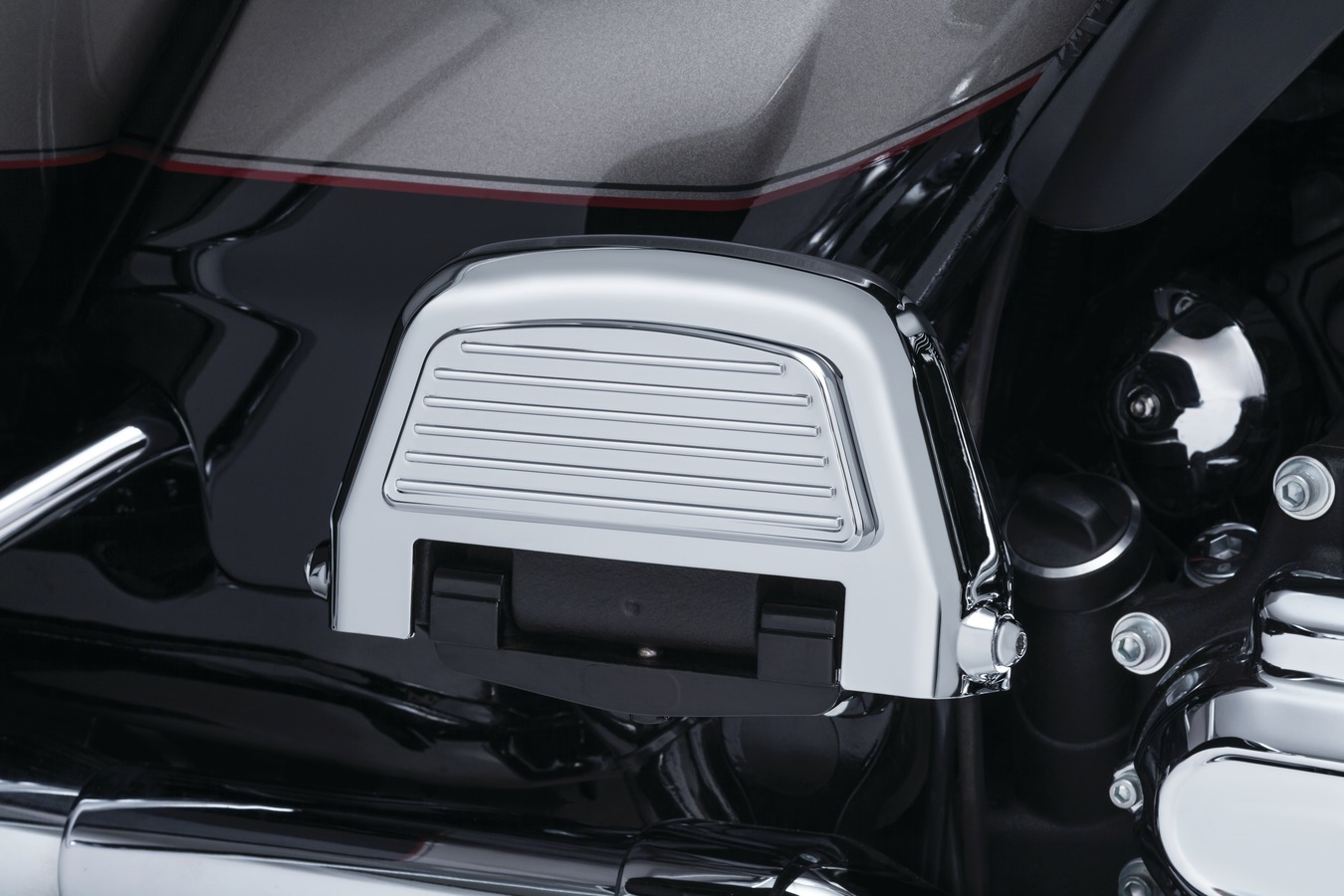 Finned Passenger Floorboard Covers For H-D Touring