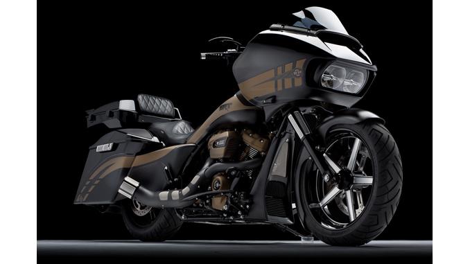 """SRT"", Paul Yaffe's Road King bagger built by Bagger Nation of Phoenix, AZ."