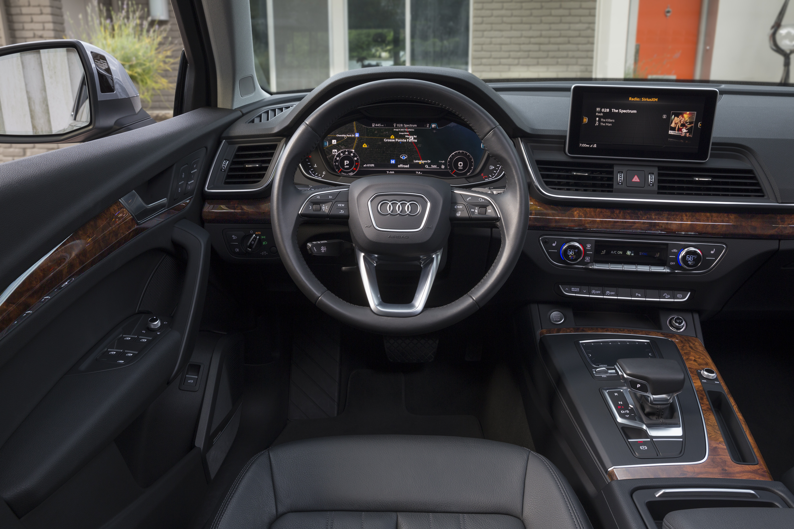 2018 audi q5 named one of autotrader 39 s 10 best car interiors. Black Bedroom Furniture Sets. Home Design Ideas