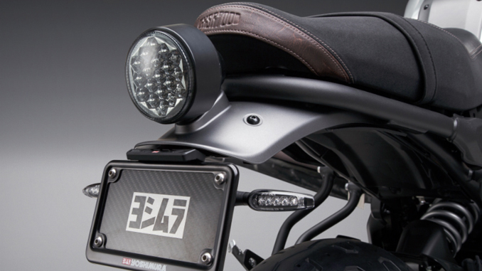 The classic lines of the XSR 700 are enhanced with the Yoshimura Fender Eliminator kit