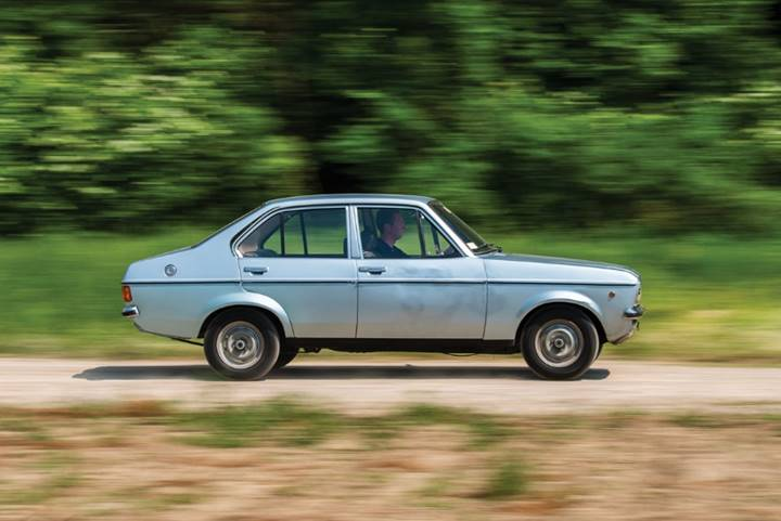 1976 Ford Escort 1100 GL Sedan formerly owned by Pope Sant John Paul II (Darin Schnabel © 2018 Courtesy of RM Auctions) - Auburn Fall