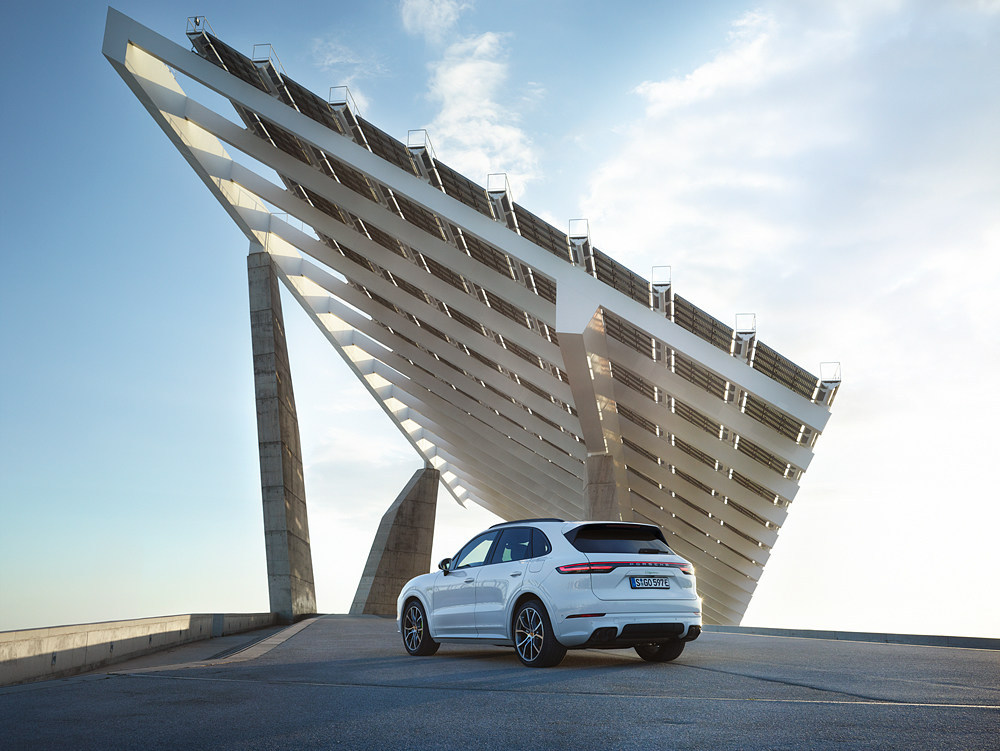 2019 Porsche Cayenne E-Hybrid plugin