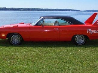 Barrett-Jackson - '70 Plymouth Road Runner Superbird