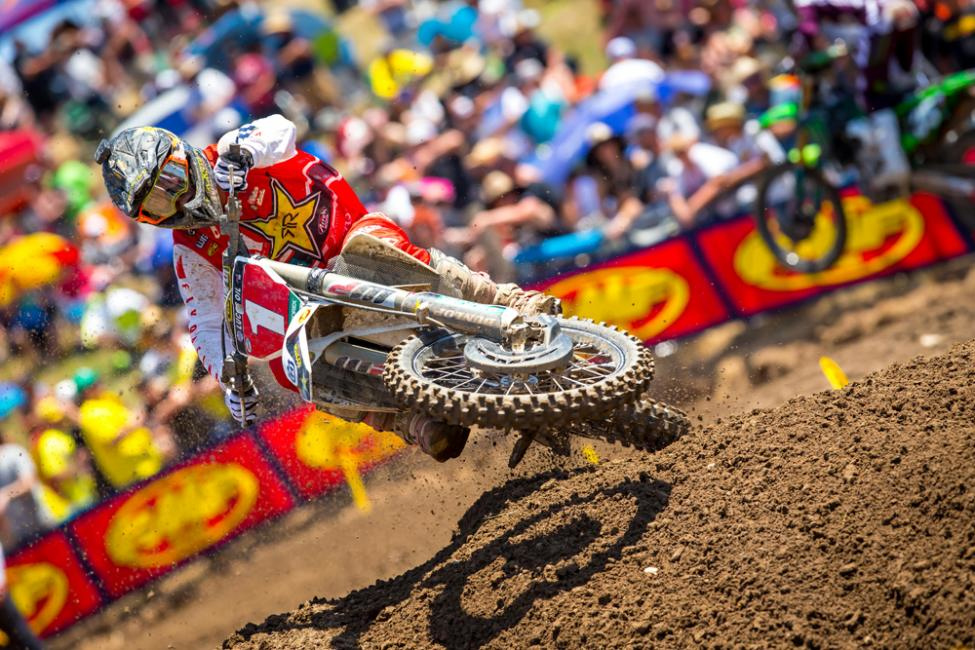 Hangtown - Zach Osborne kicked off his title defense with another dominant 1-1 outing