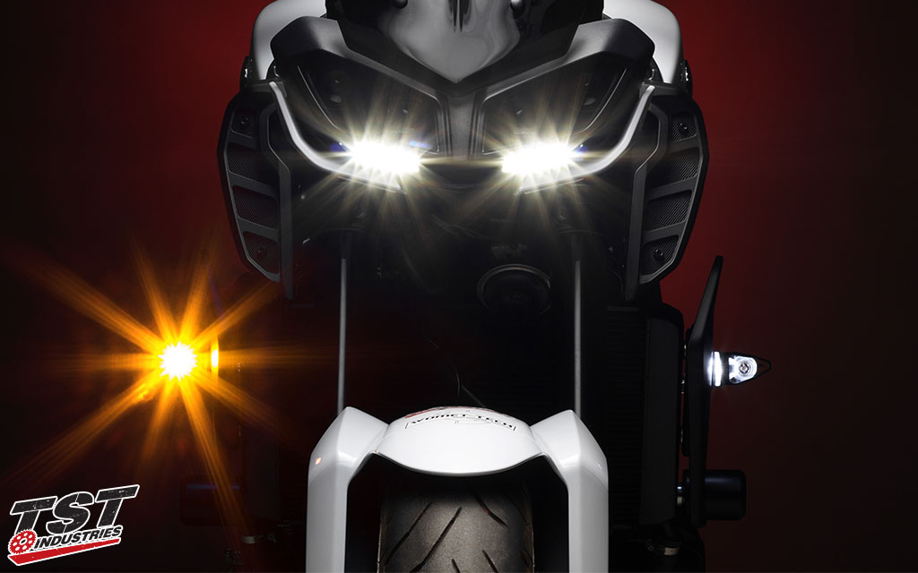 Yamaha FZ / MT riders can upgrade their stock signals to the MECH-GTR to add FZ / MT inspired design to their signaling.