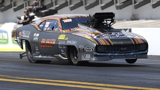 NHRA Pro Mod Mike Janis - action