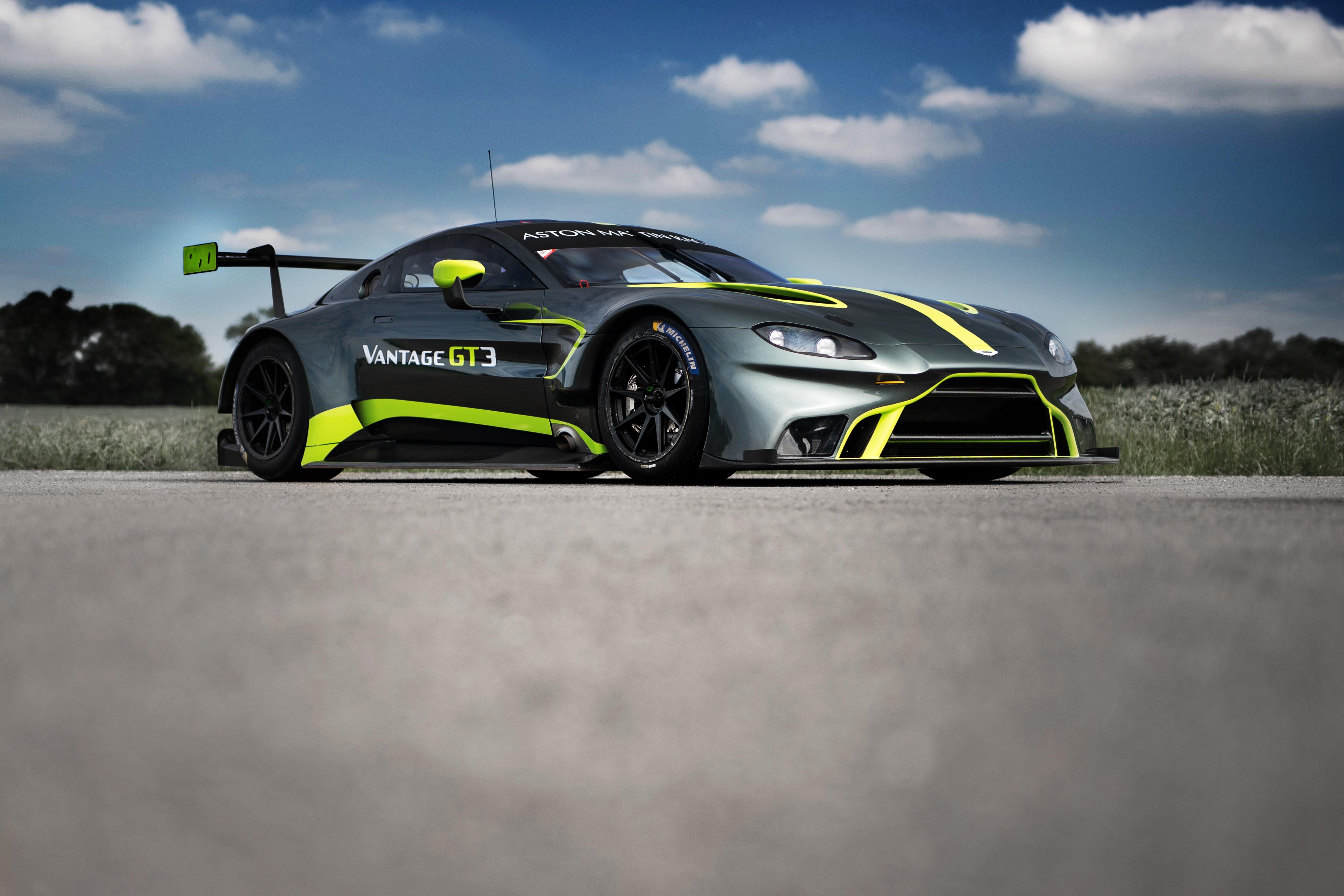 Aston Martin Vantage GT3 - 1
