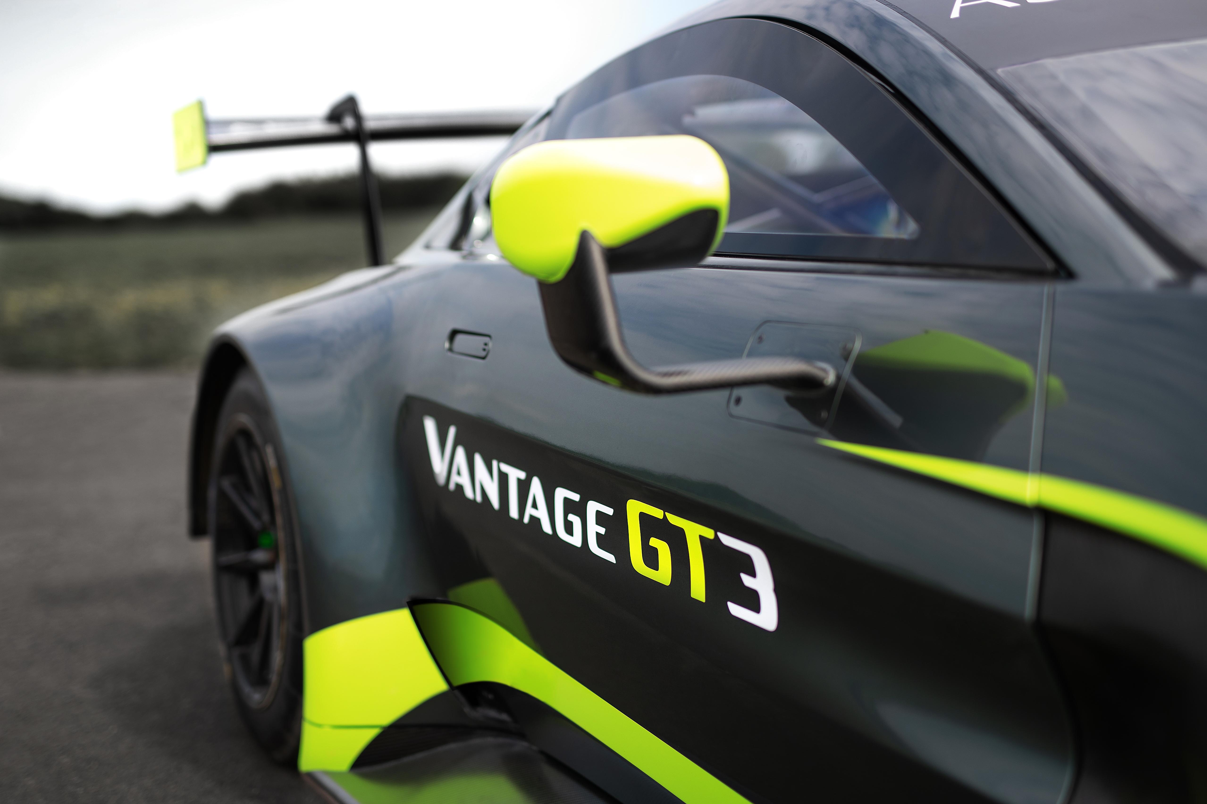 Aston Martin Vantage GT3 - 2