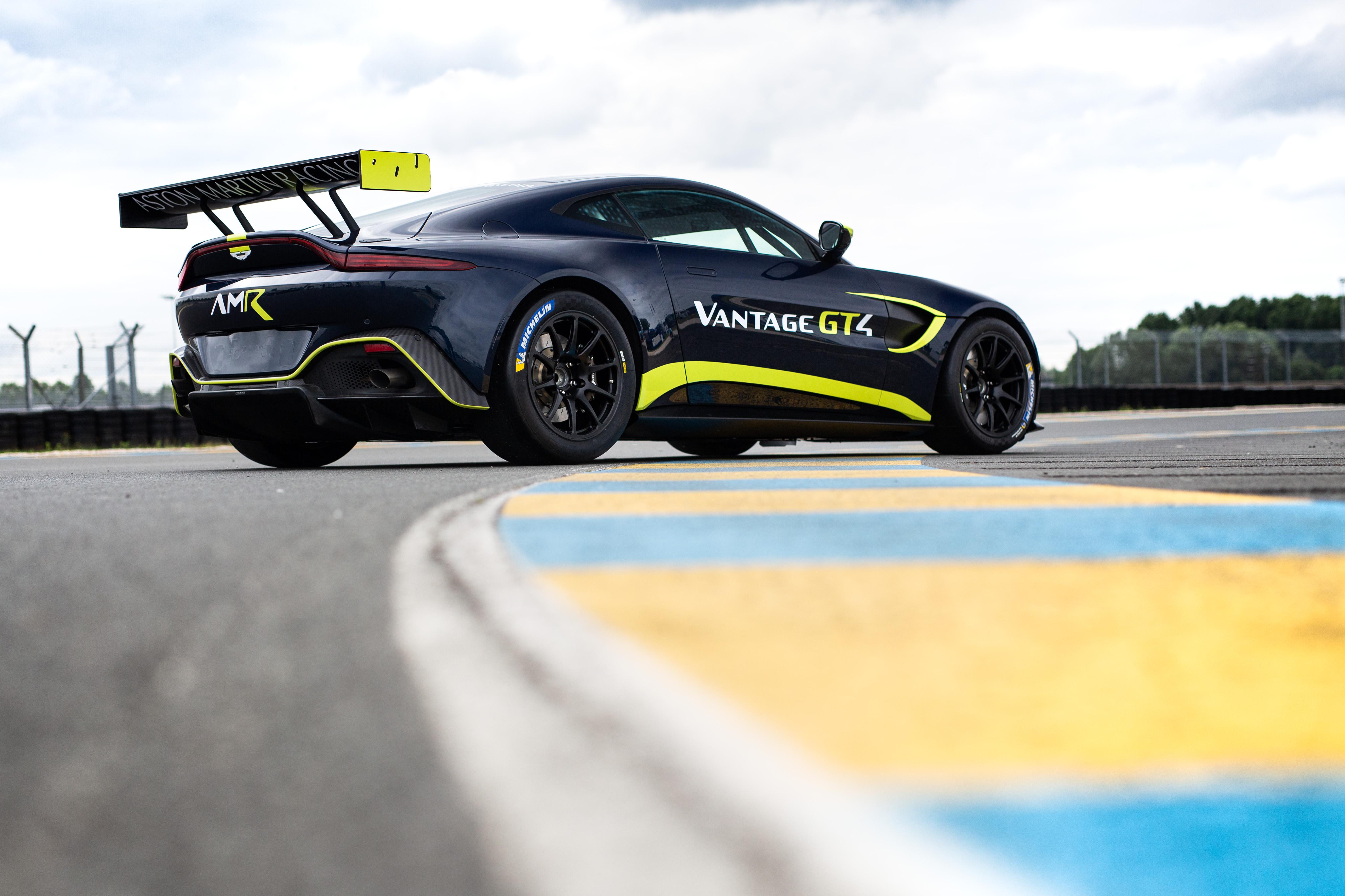 Aston Martin Vantage GT4 - 2