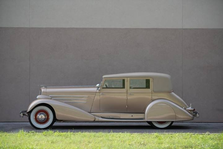 A profile view of the streamlined 1929 Duesenberg Model J Sedan set for RM Auctions Auburn Fall (Credit – Corey Escobar © 2018 Courtesy of RM Auctions)