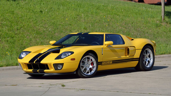 Mecum Auctions Harrisburg - 2006 Ford GT Supercharged 5.4L-550 HP 1 of 75 in Yellow (Lot S133)