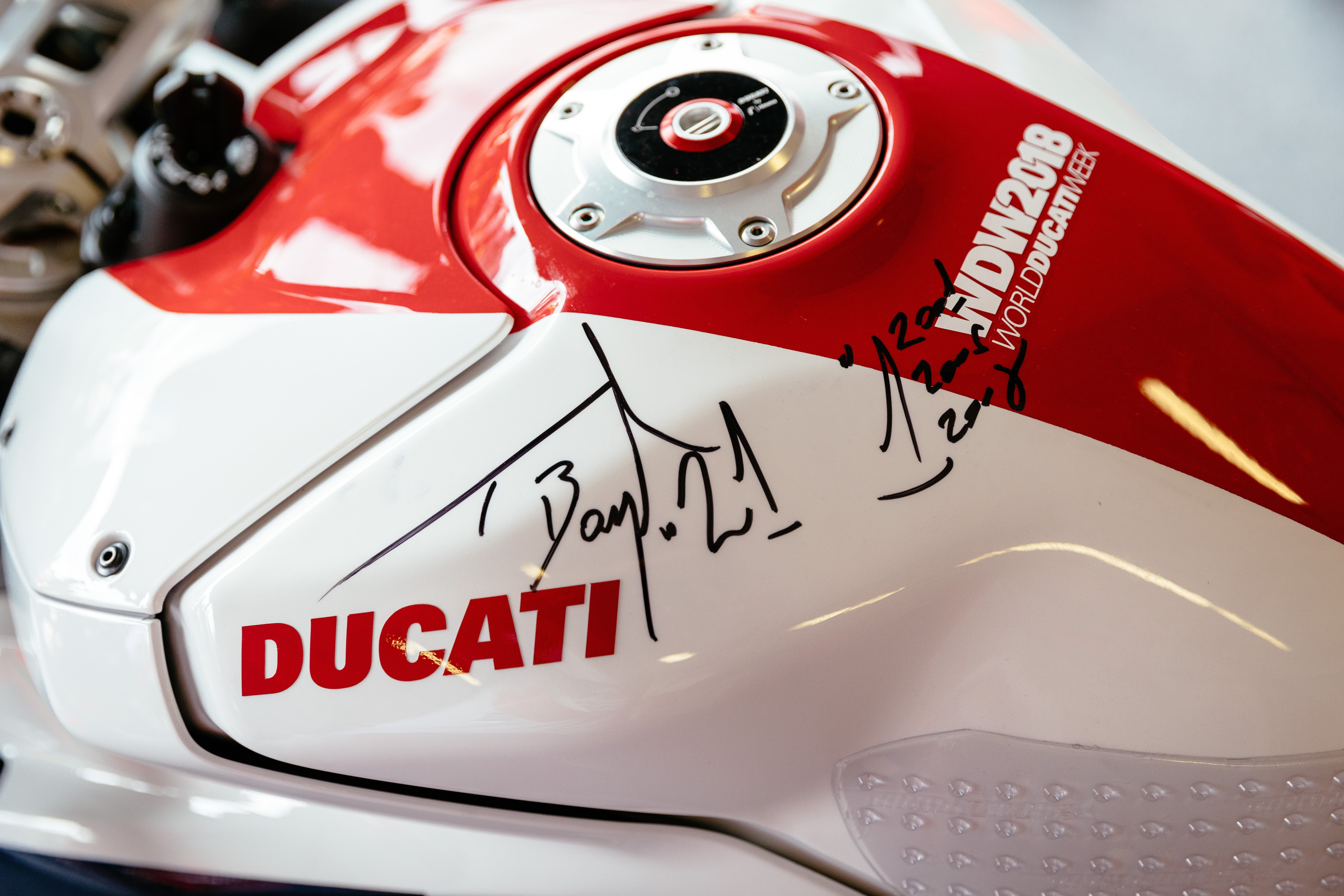 World Ducati Week 2018 Race of Champions - Troy Bayliss autgraph - Panigale V4 S