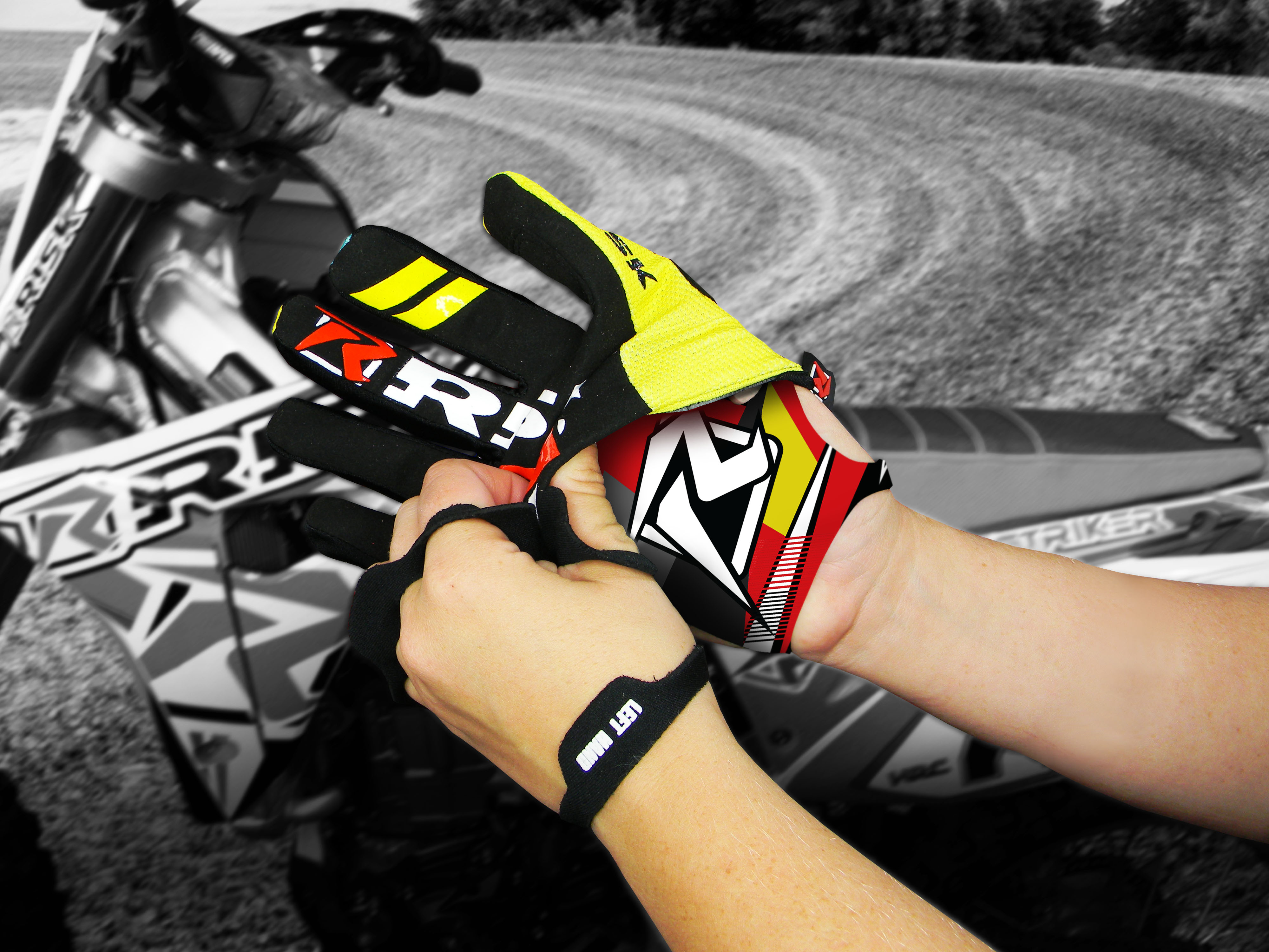 Risk Racing - Palm_Fits-Under-Glove