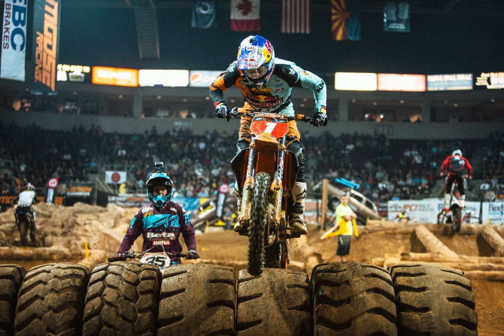 FMF KTM's Cody Webb kicked off the 2018 EnduroCross season with a thrilling win over Colton Haaker