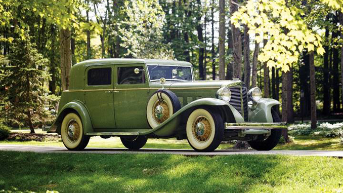 Hershey Sale - 1932 Marmon Sixteen Close-Coupled Sedan (Drew Shipley © 2018 Courtesy of RM Auctions)