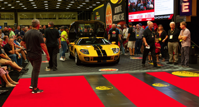 Mecum Dallas - 2006 Ford GT 5.4L 1165 Miles (Lot S107)