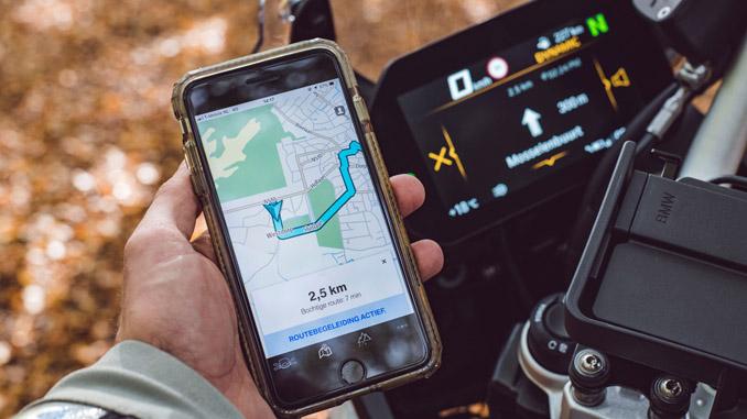 TomTom and BMW Motorrad Provide In-Bike Navigation via App