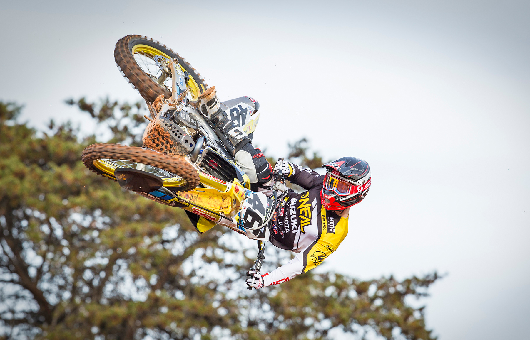 After several successful 450 class outings in 2018 Justin Hill (#46) will now race the Suzuki RM-Z450 - JGRMX