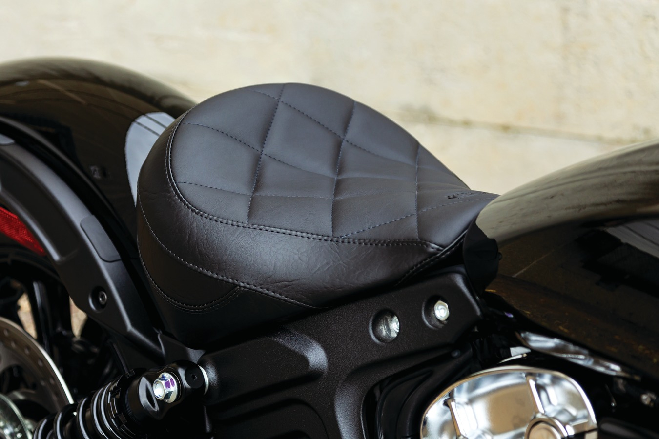 Mustang Standard Touring Solo for Indian Scout Bobber - Black
