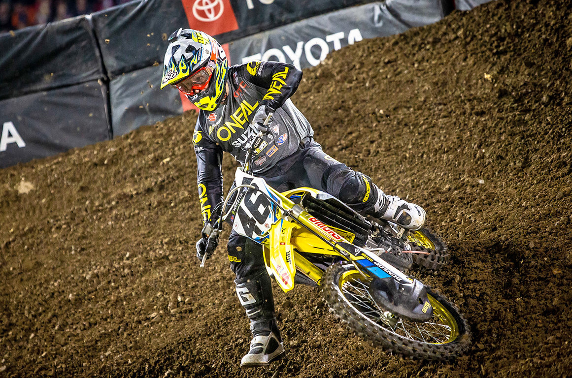 Justin Hill (#46) rode through a painful shoulder injury to grab 14th place in the 450 main - Oakland Supercross