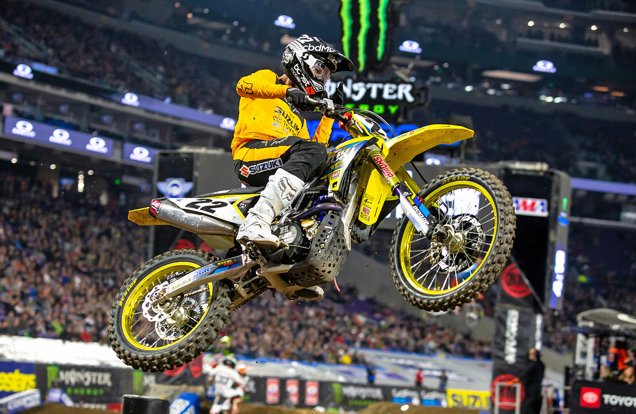 Chad Reed (#22) rode his RM-Z450 up through the pack to secure another top-ten finish - Minneapolis Supercross