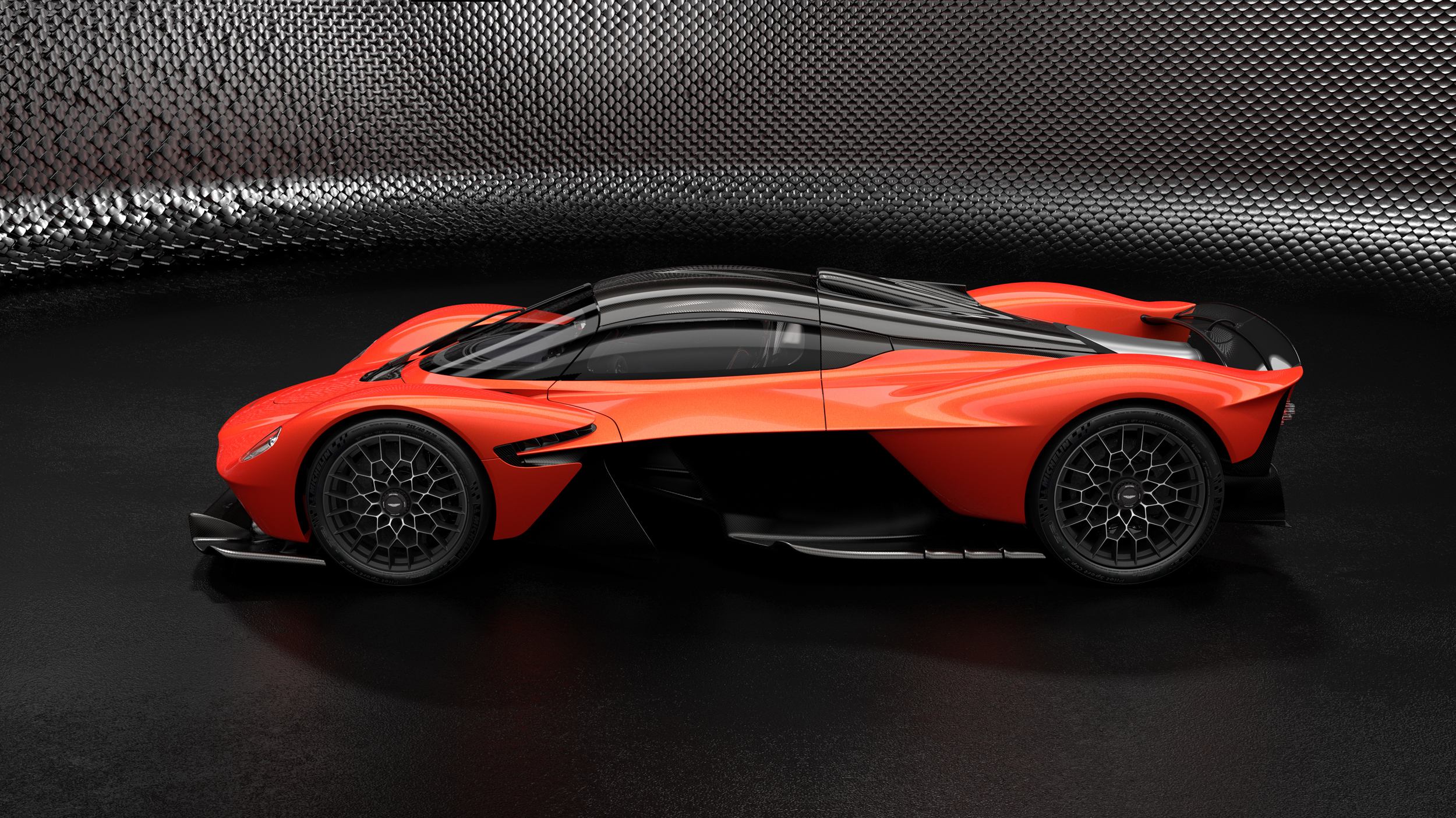 Aston Martin Valkyrie – Designer Specification – MAXIMUM