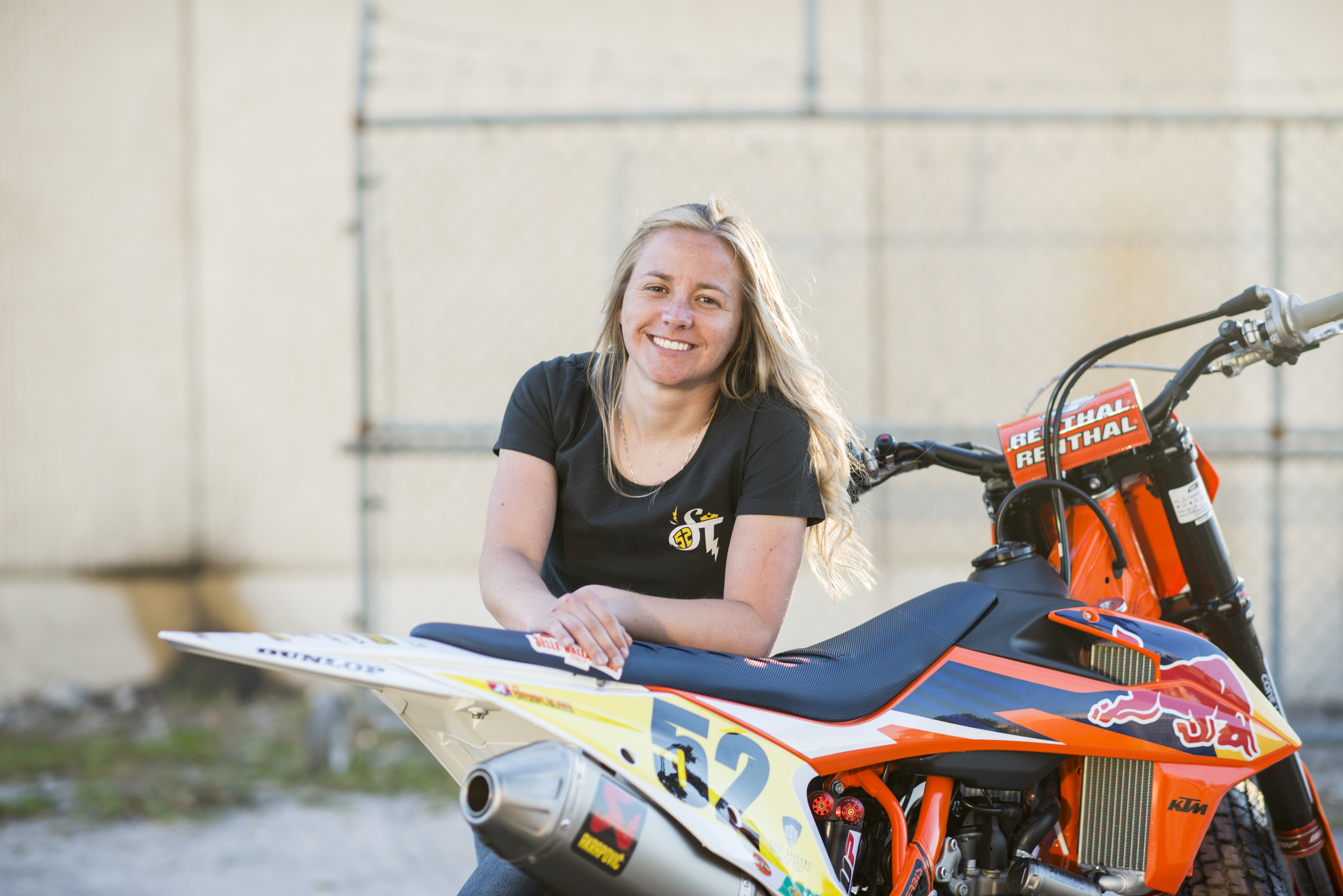American Flat Track's Shayna Texter Inks Deal with Red Torpedo Clothing as Queen of Hearts