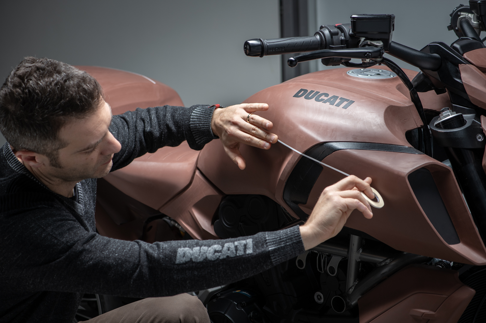 """Diavel 1260 receives the prestigious """"Red Dot Design Award 2019"""" for its unmistakeable style"""