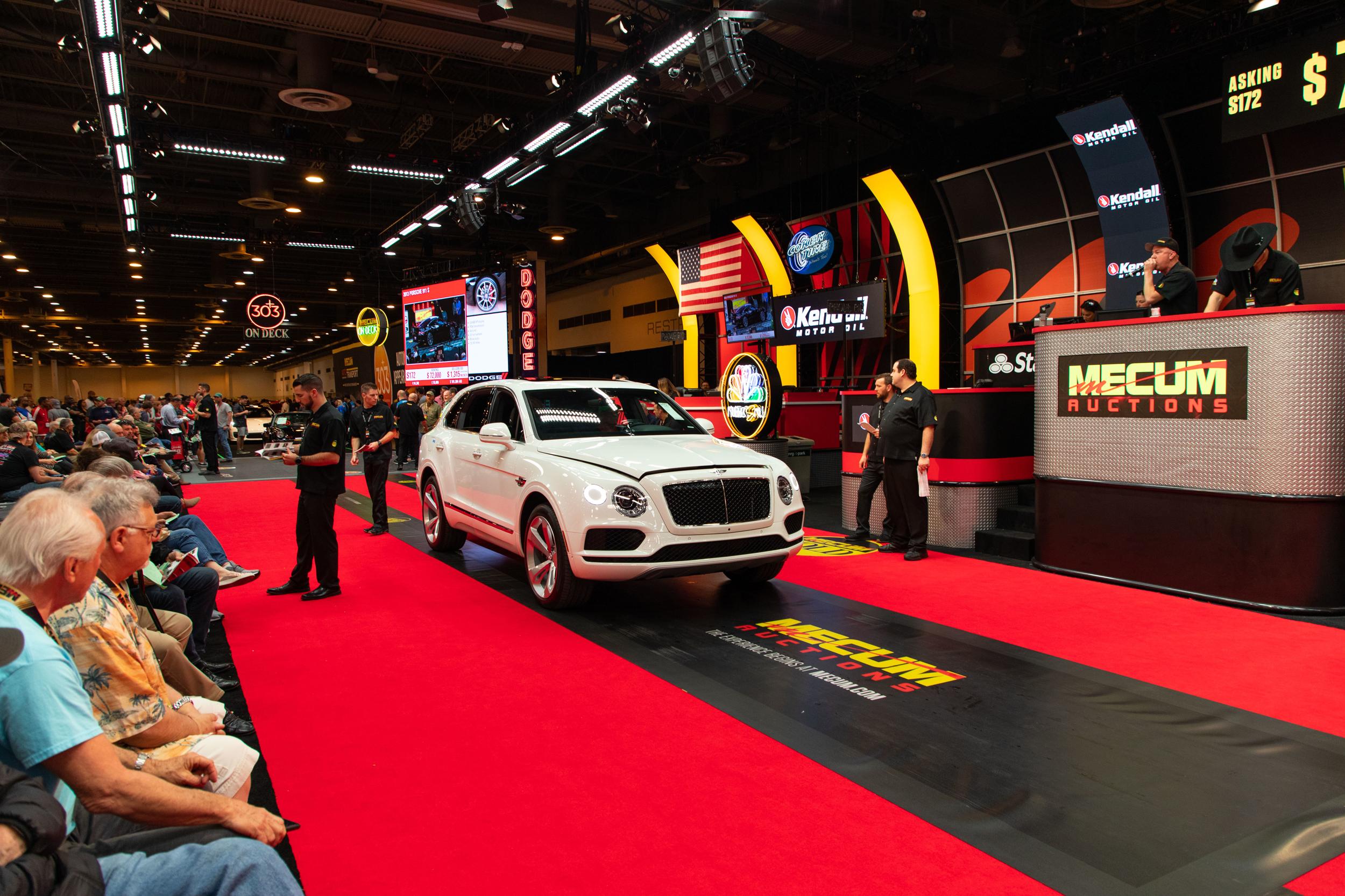2019 Bentley Bentayga (Lot S172.1) Sells at $187,000 - Mecum Houston 2019