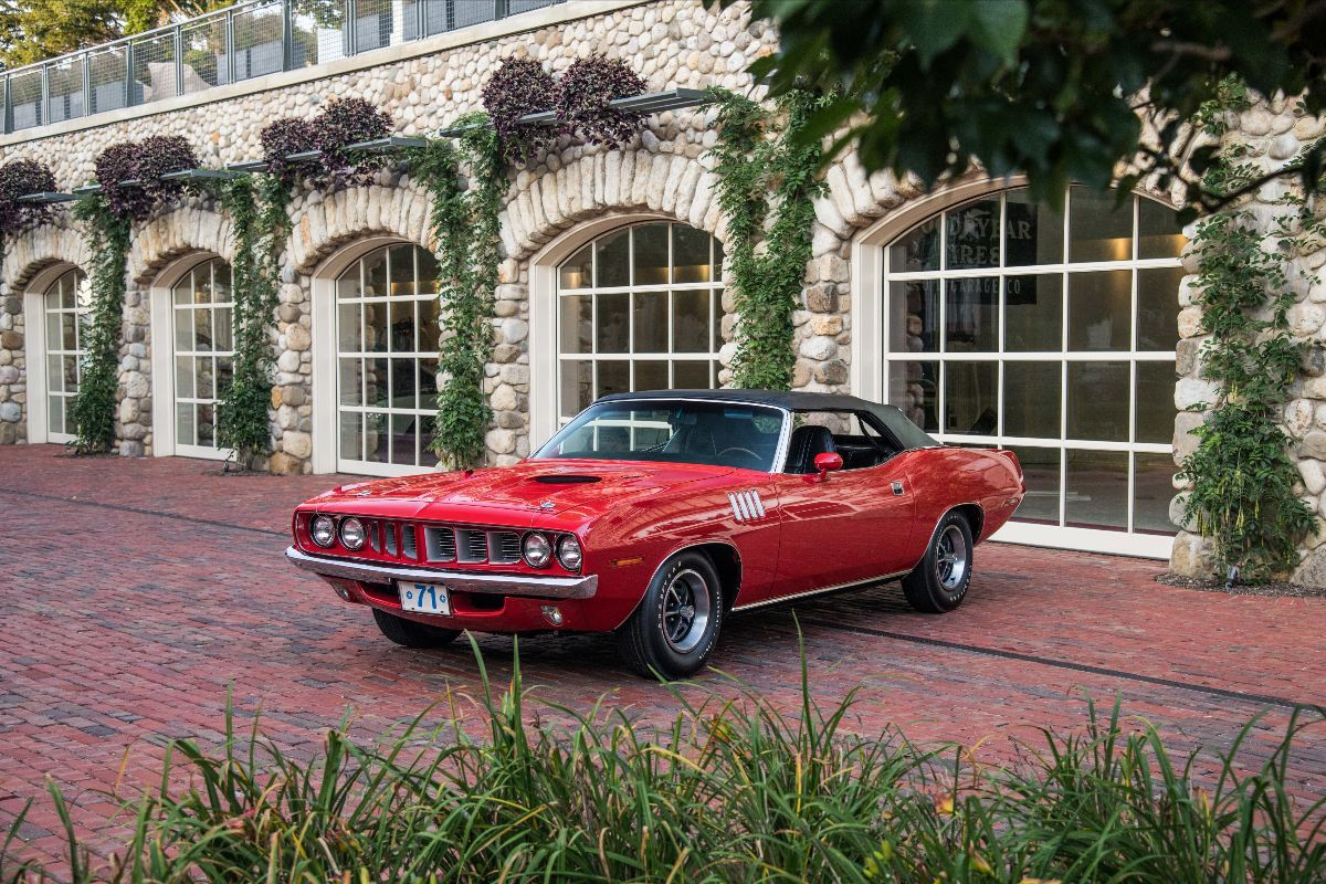 Dana Mecum's 32nd Original Spring Classic - 1971 Plymouth Cuda Convertible V-Code 440 6-BBL, One of 17 Produced