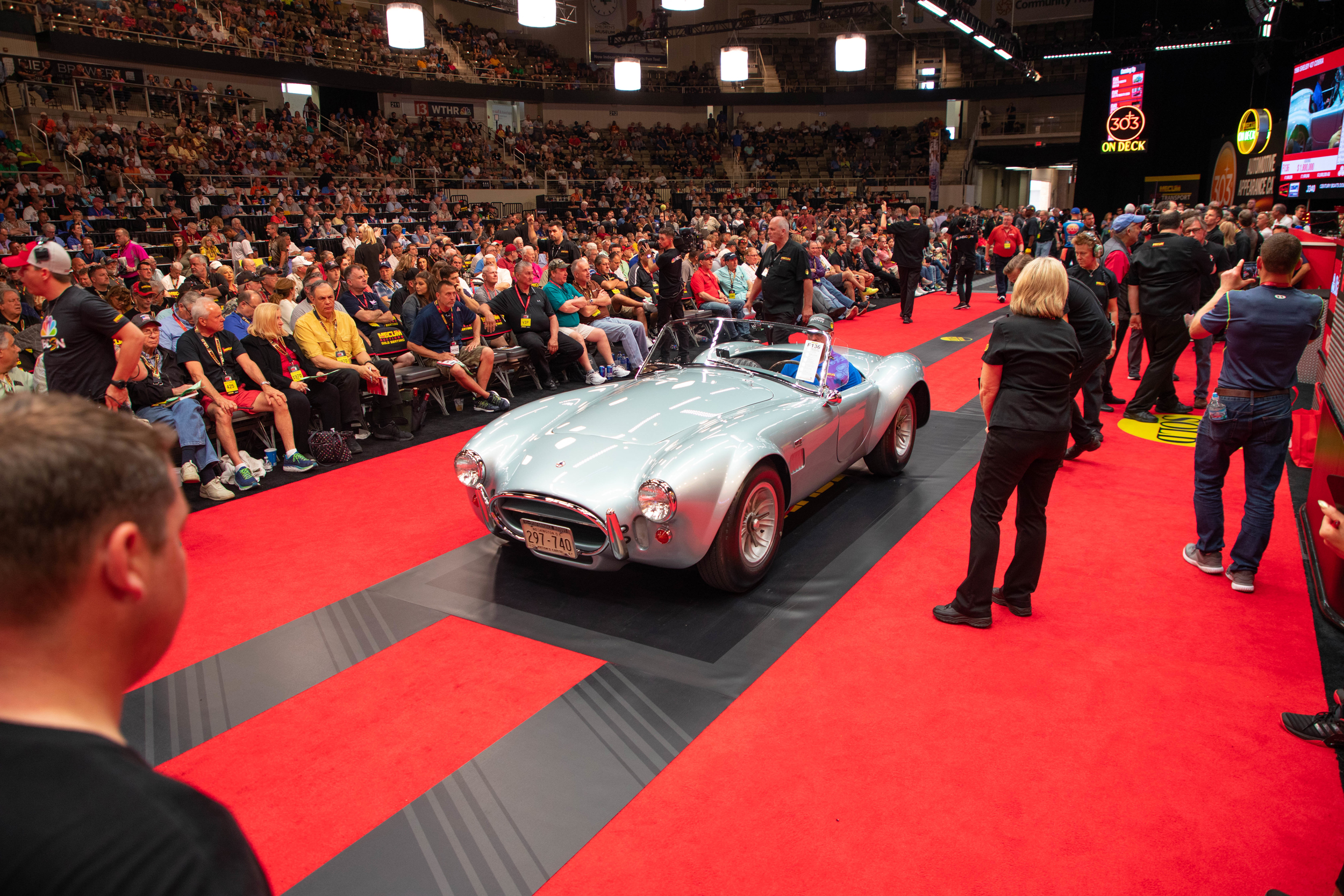 1966 Shelby 427 Cobra Roadster (Lot F136) Sells at $2,420,000 - Mecum Indy