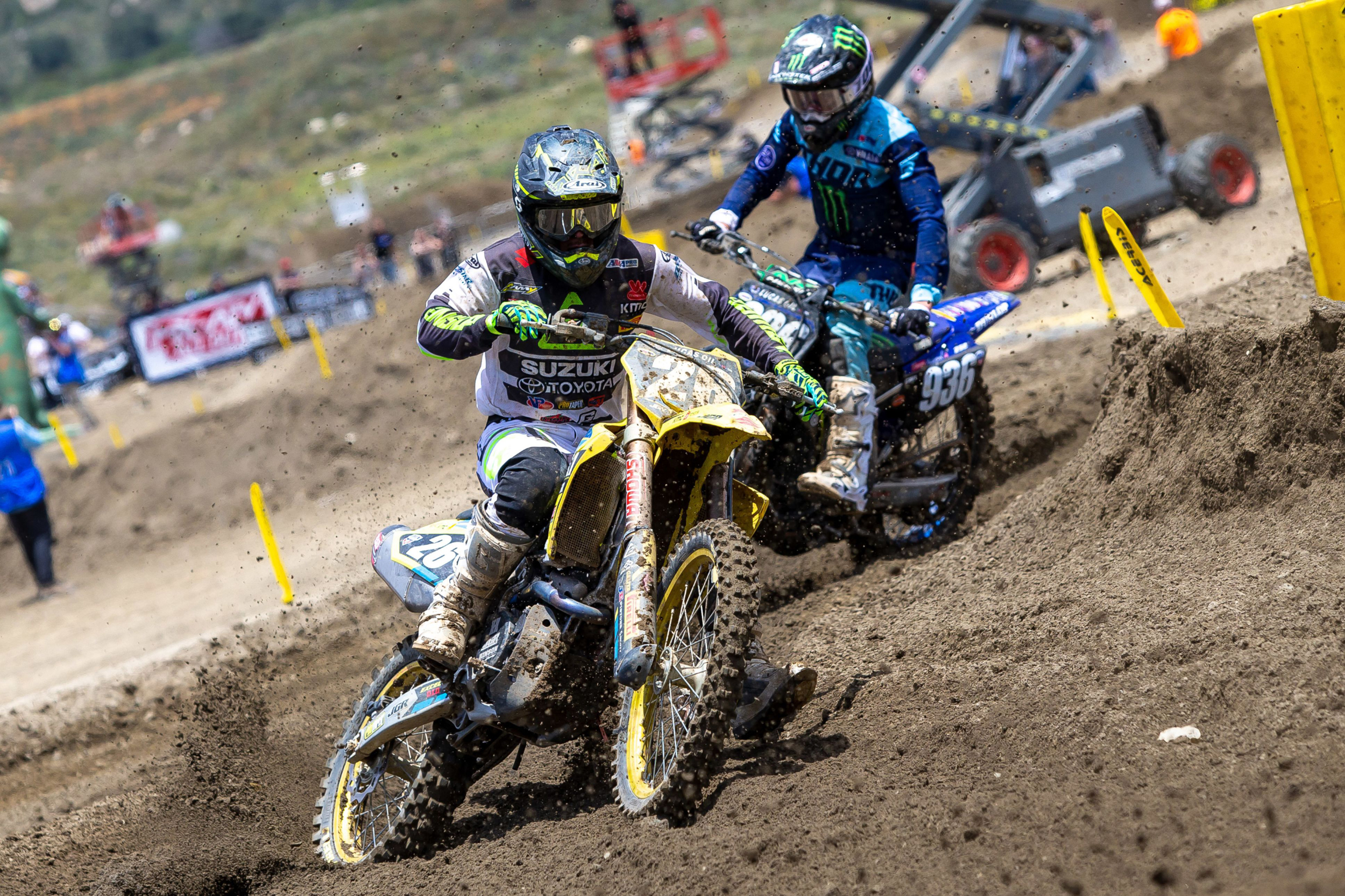 Alex Martin (#26) challenges for the lead on his RM-Z250