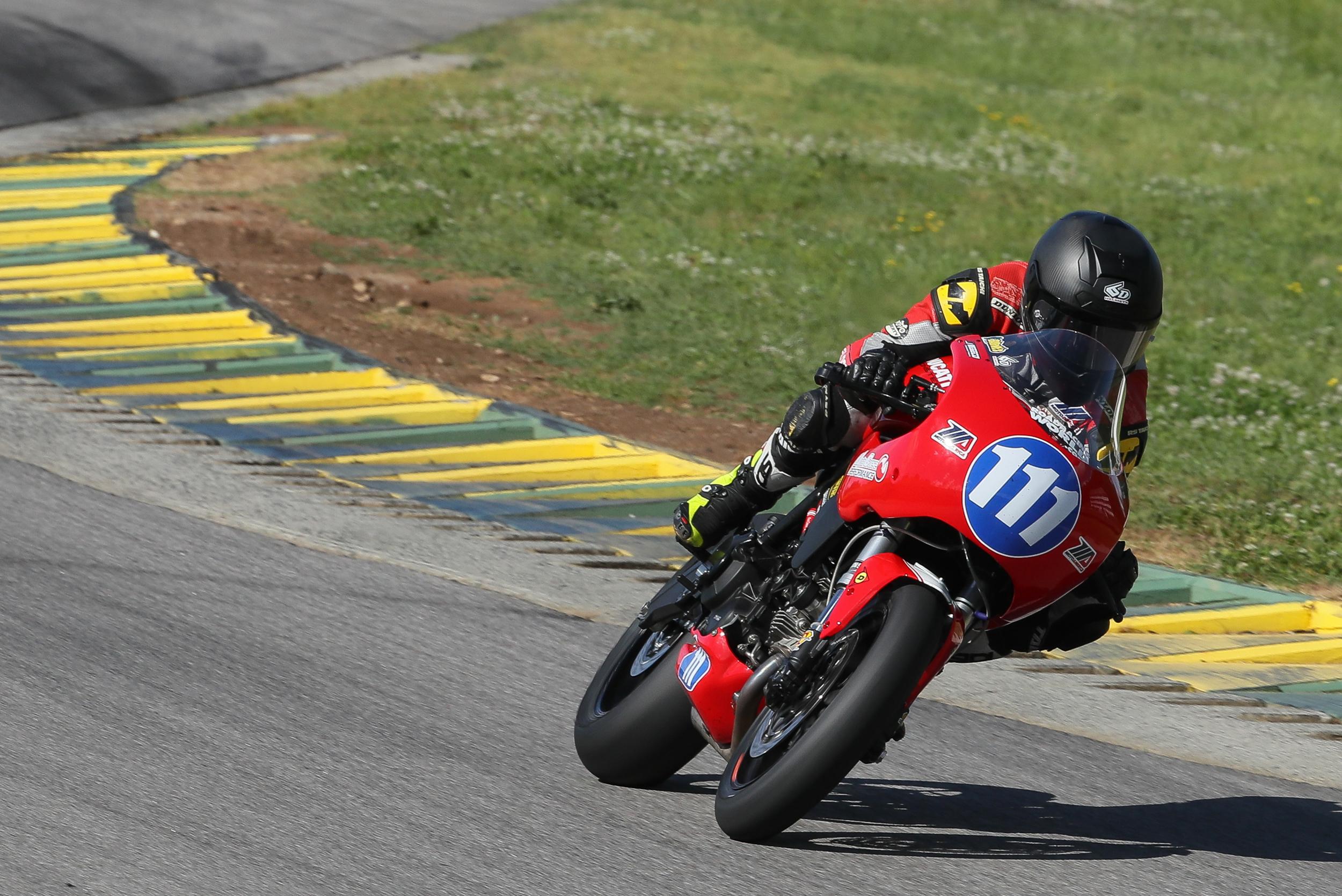Ducati - Quarterley Racing - Michael Barnes