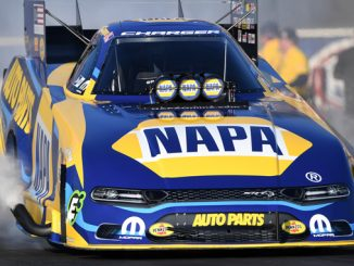Funny Car - Ron Capps - Arbys NHRA Southern Nationals action
