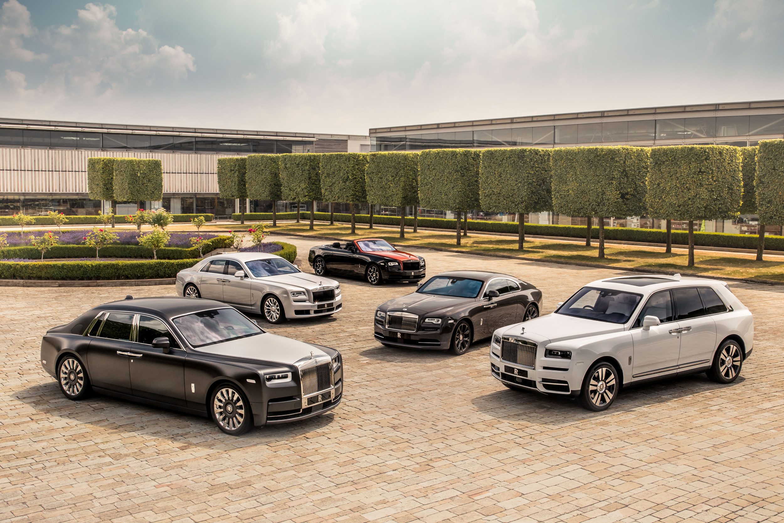 Rolls-Royce Marks 115 Years of Excellence and Innovation - COMPLETE PORTFOLIO OF ROLLS-ROYCE MOTOR CARS