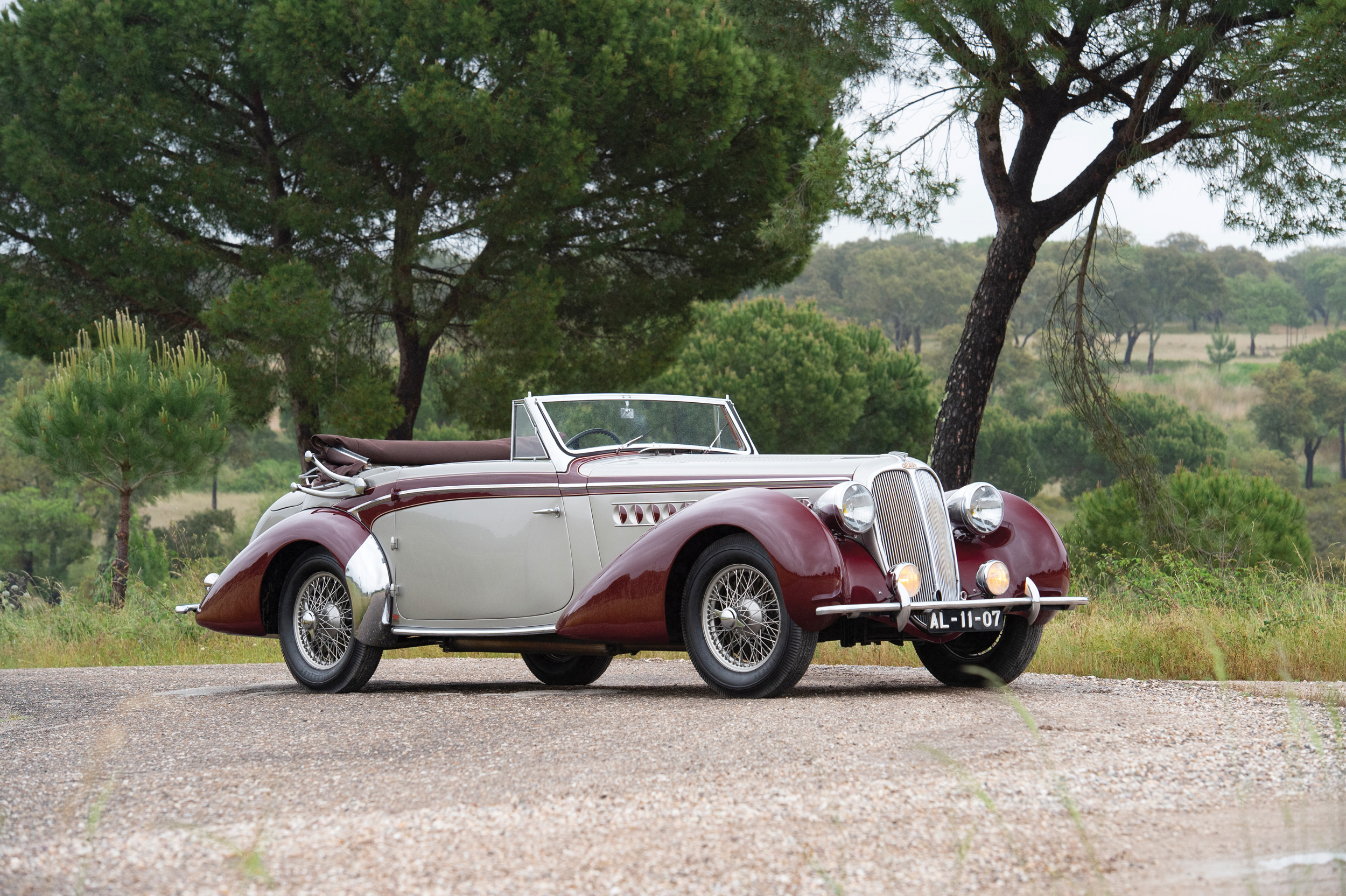 The Sáragga Collection - Delahaye 135M Cabriolet by Chapron (Credit- Tom Wood ©2019 Courtesy of RM Sotheby's)