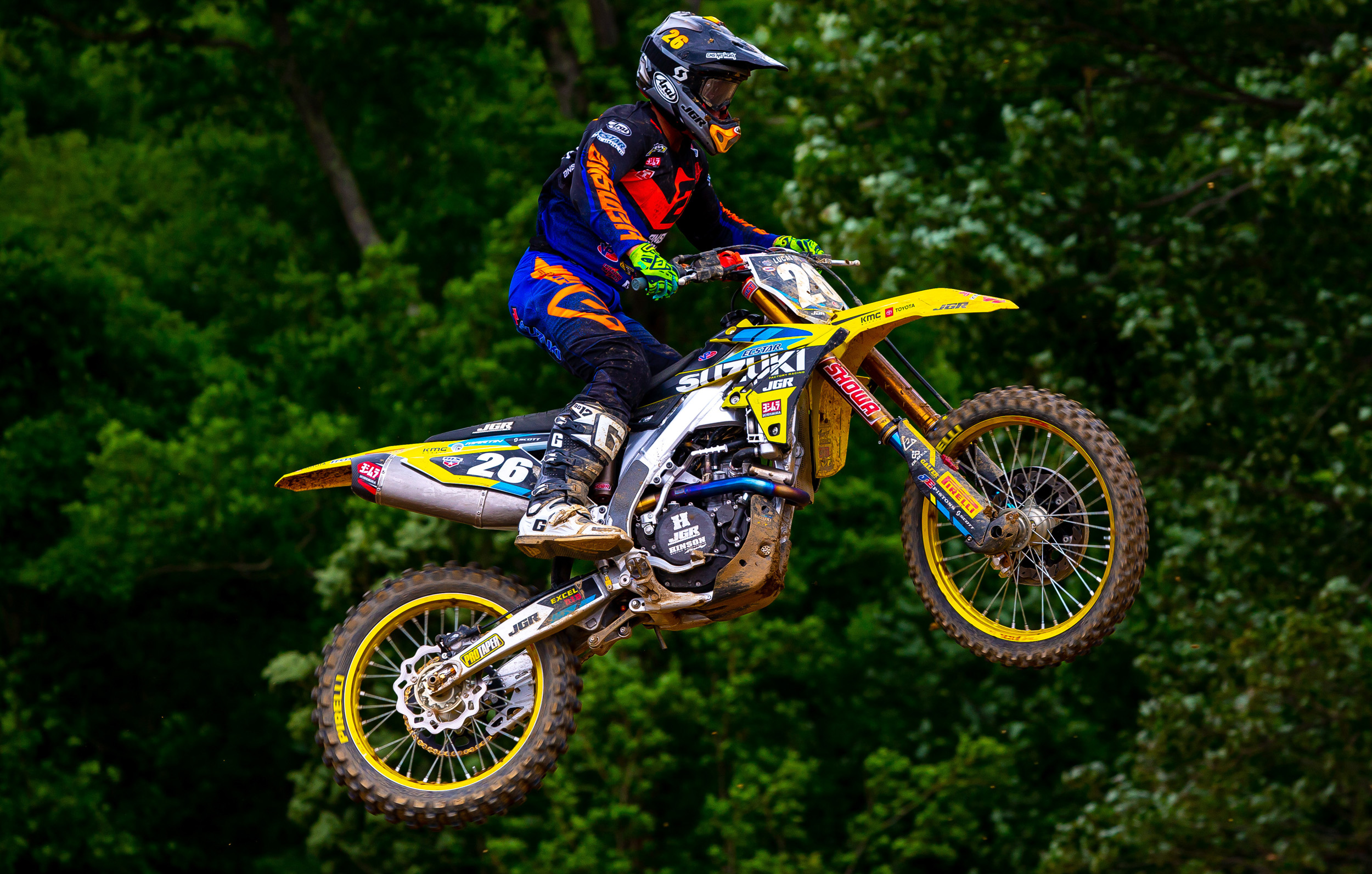 Alex Martin (#26) soars towards the checkered flag on his RM-Z250 - High Point National