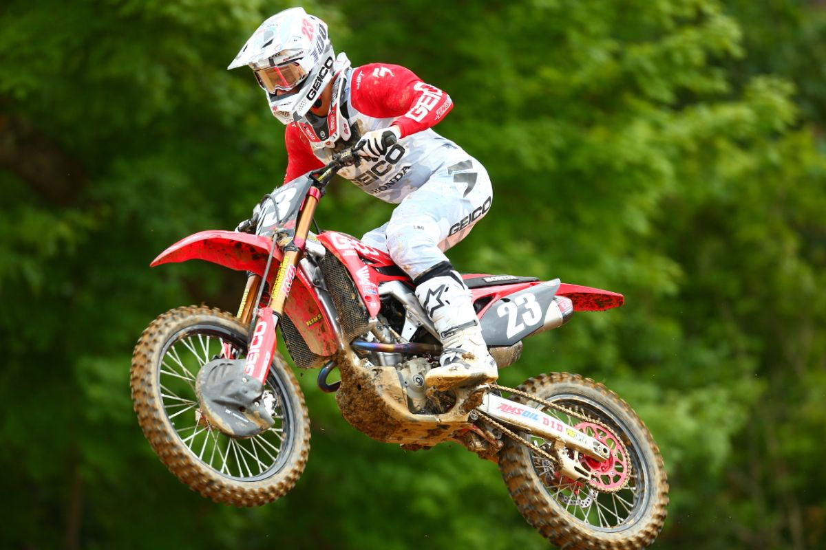 Sexton challenged for the moto two win and completed the overall podium (4-2) - High Point National