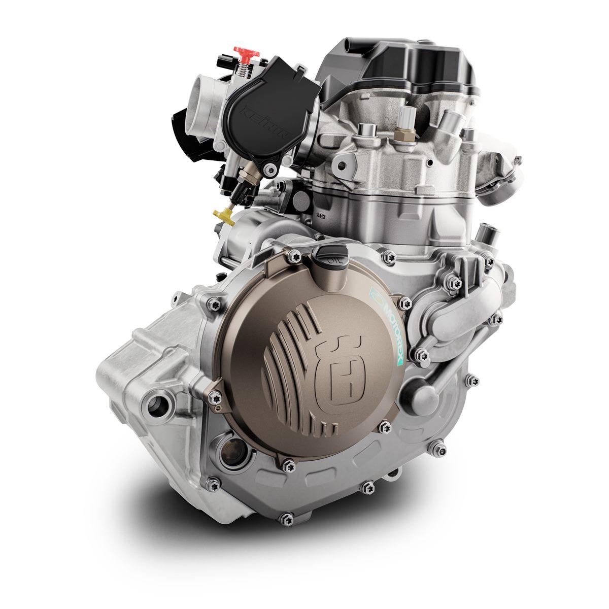 FS 450 MY20 Engine Right