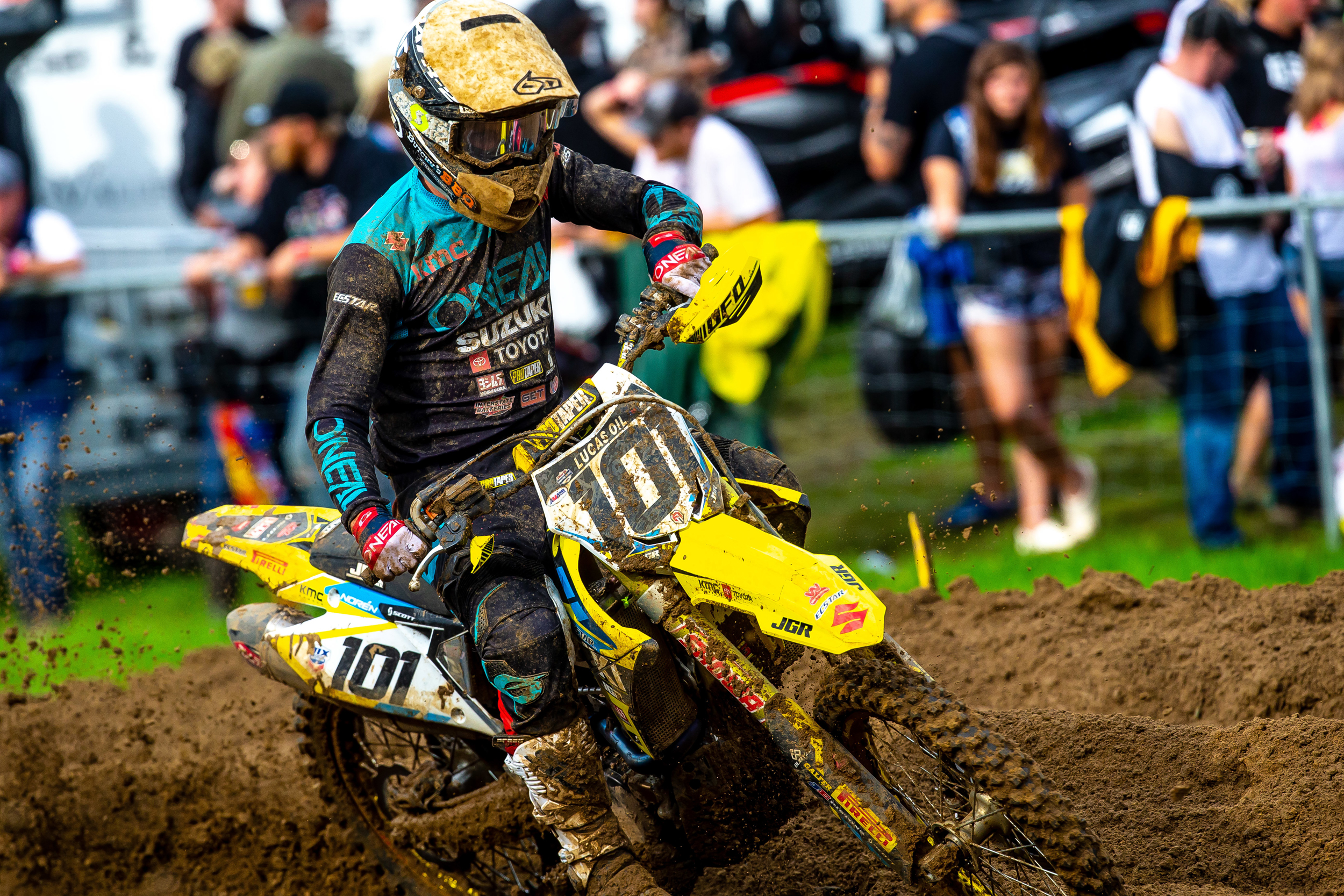 Fredrik Noren (#101) delivers speed on his RM-Z450 in both moto starts