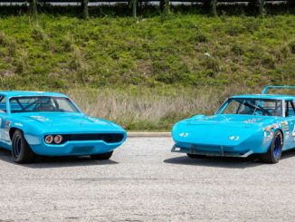 Mecum Harrisburg - Two Richard Petty NASCAR Icons 1970 Superbird (Lot S96) and 1971 Road Runner (Lot S100)