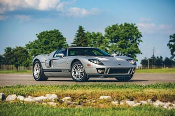 2005 Ford GT (Theodore W. Pieper © 2019 Courtesy of RM Auctions)