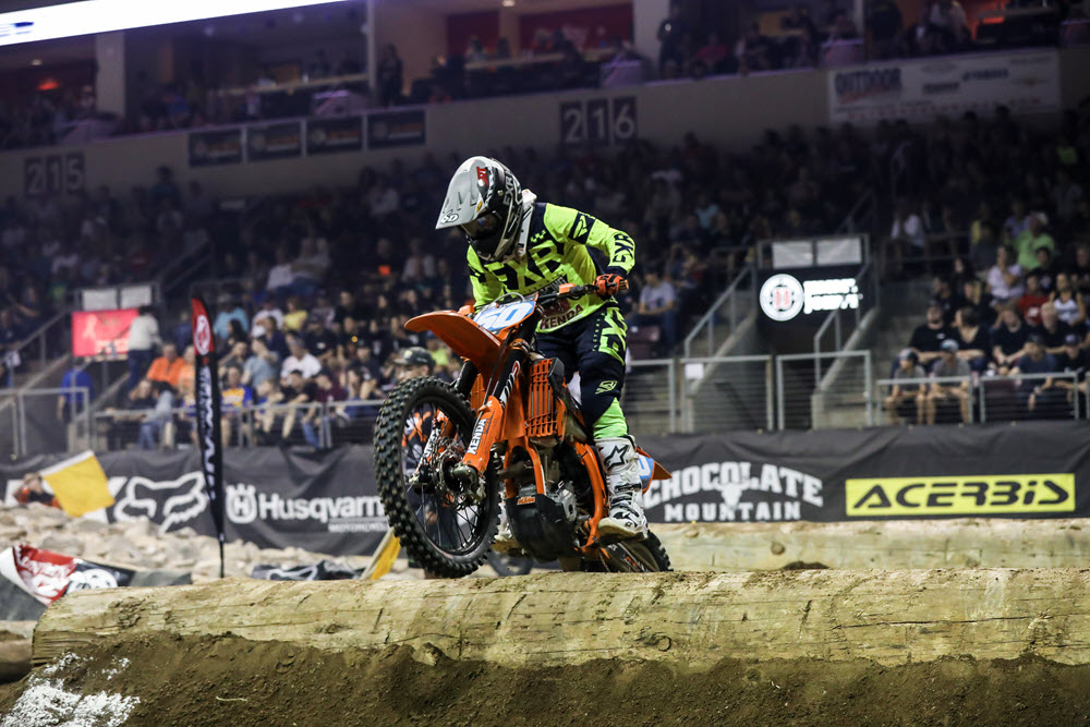 Canadian Shelby Turner dominated the women's class race and also won the Amateur class - EnduroCross